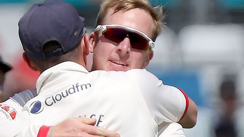 County Championship: Essex bowl Hampshire out for 88 to complete innings win