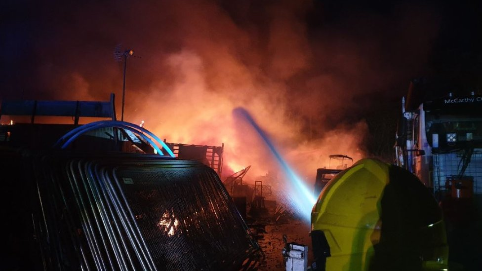 Fire breaks out at industrial unit in Bristol