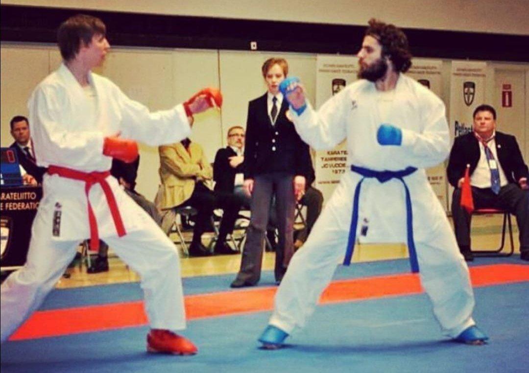 邁赫迪·賈法格霍利扎德(Mahdi Jafargholizadeh;右)比賽照片