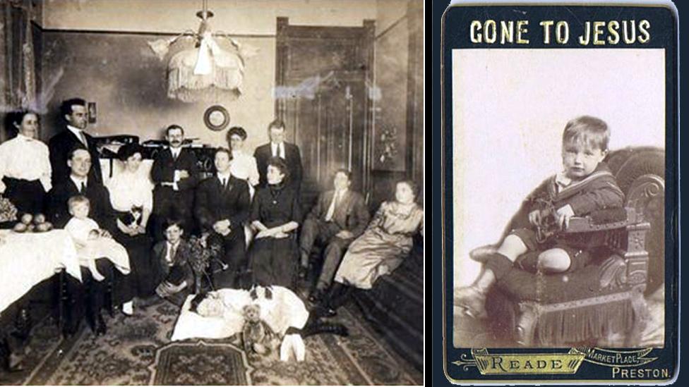 Victorianos con niño muerto