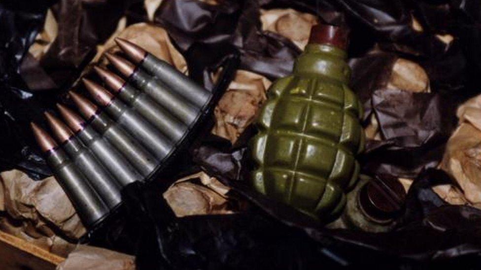 Municija i ručna bomba