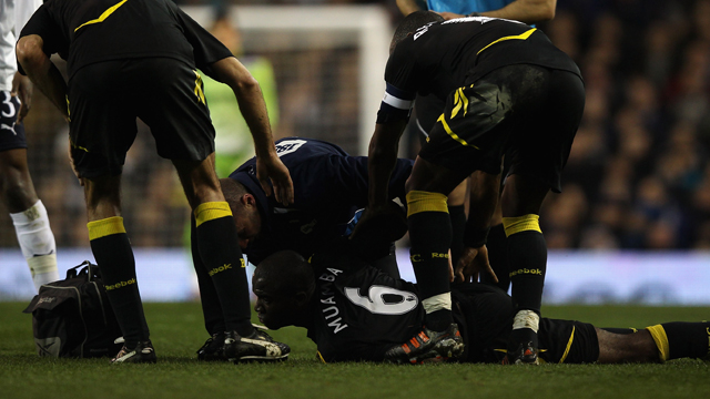 Fabrice Muamba collapses on the football pitch
