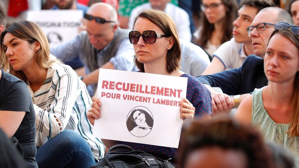 A vigil is held in support of French quadriplegic Vincent Lambert in Paris, 11 July 2019
