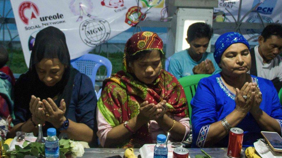 Warga Muslim di Yangon