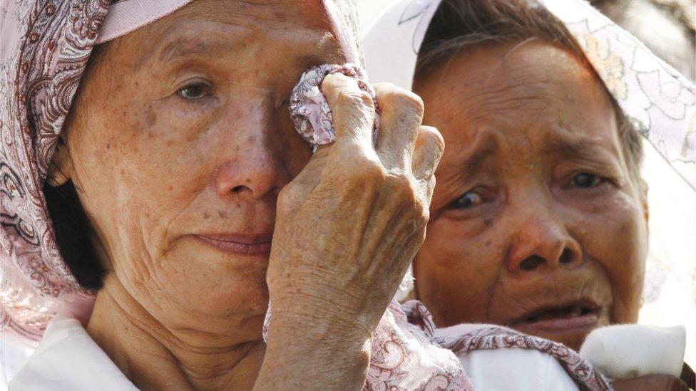 يُعتقد أن حوالي 60٪ من الضحايا أُعدموا، بينما مات الباقون بسبب المرض والجوع