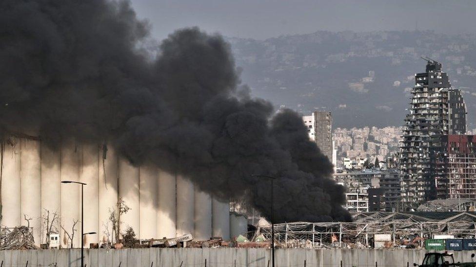 Dim se vijori iznad mesta gde se eksplozija dogodila