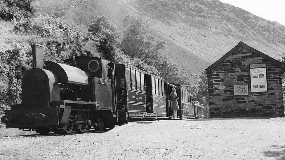 Locomotive No 4