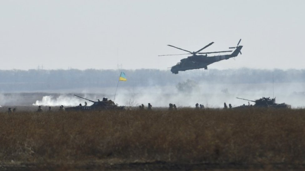 Military exercises conducted by Ukrainian armed forces at the Shiroky Lan training ground in Mykolayiv region (30 October 2015)