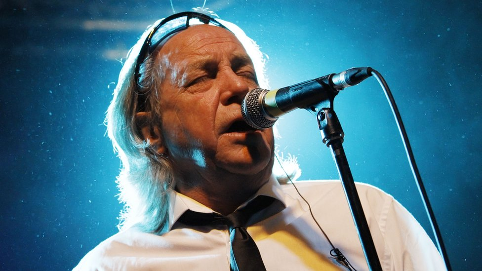 BBC News - Pretty Things frontman Phil May dies aged 75