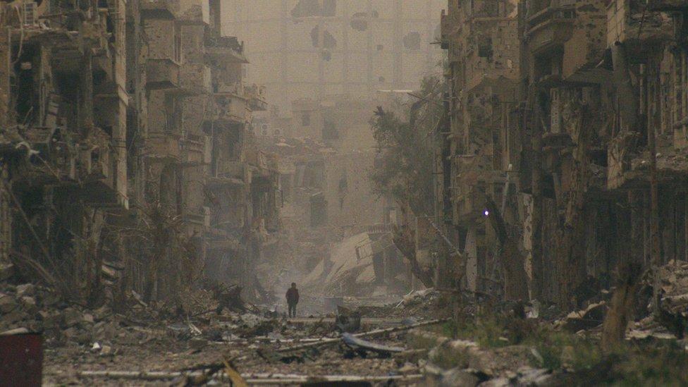 أرشيف- الدمار في دير الزور