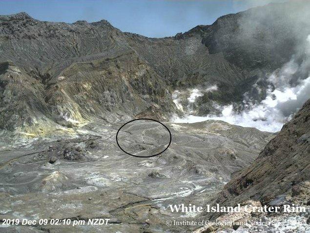 Snimci pokazuju krater pre erupcije