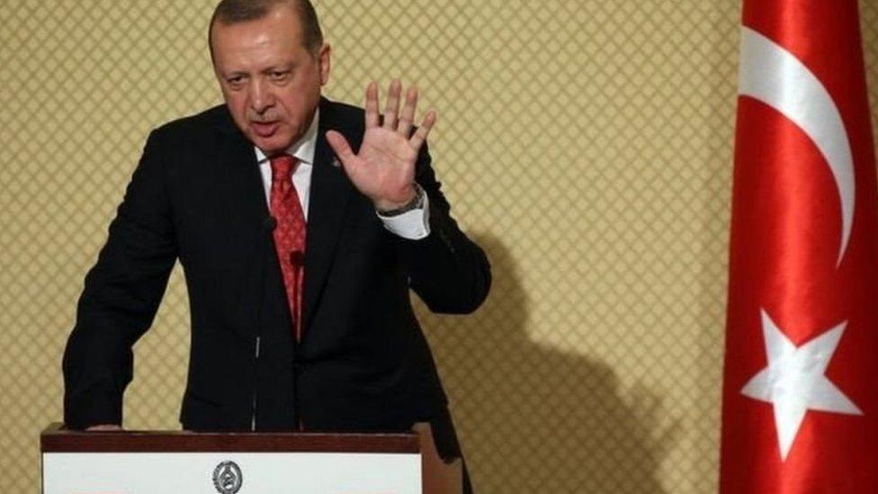 تمتع أردوغان بدعم قوي واسع وسط القاعدة المسلمة المحافظة في تركيا
