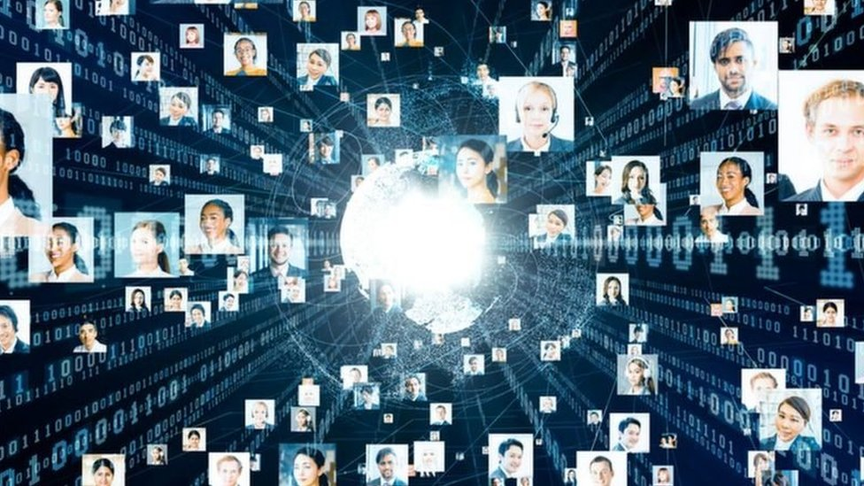Un investigador defiende valores más humanos para la Inteligencia Artificial, en particular para los algoritmos que gobiernan las redes sociales.