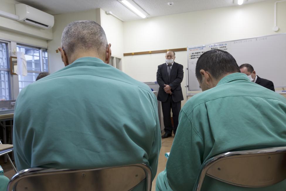 Algunas prisiones han tenido que modificar sus instalaciones para adaptarlas a la gente mayor.