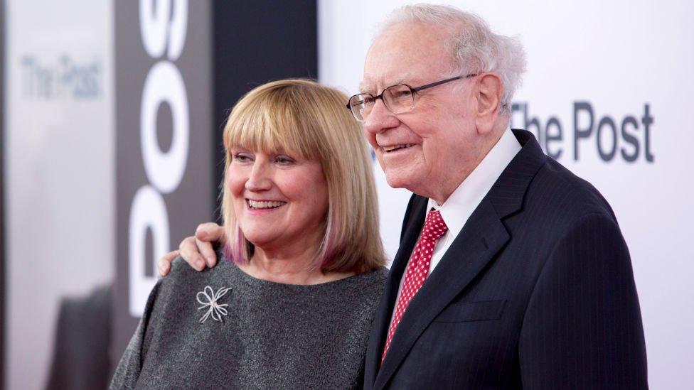 La esposa de Buffet, Astrid Menks.