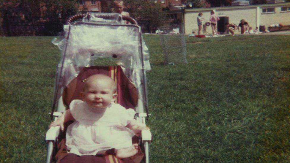 Gemma cuando era un bebé