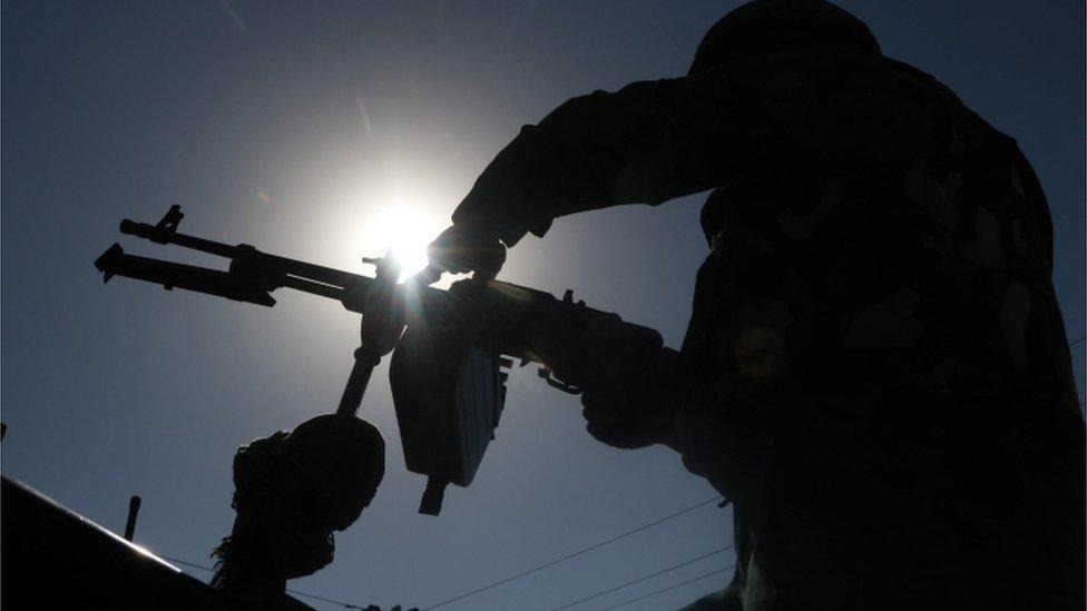 جندي تابع للحكومة الأفغانية