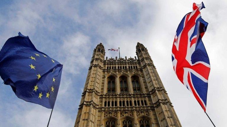 Брексит: Джонсон победил в Брюсселе, но может проиграть в Лондоне