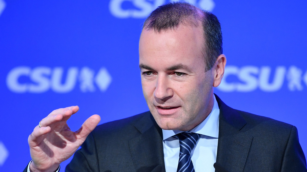 Manfred Weber speaking at a news conference, 27 May 19