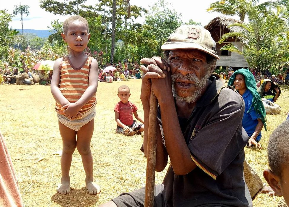 Displaced people at a camp in Huiya village, PNG (5 March 2018)