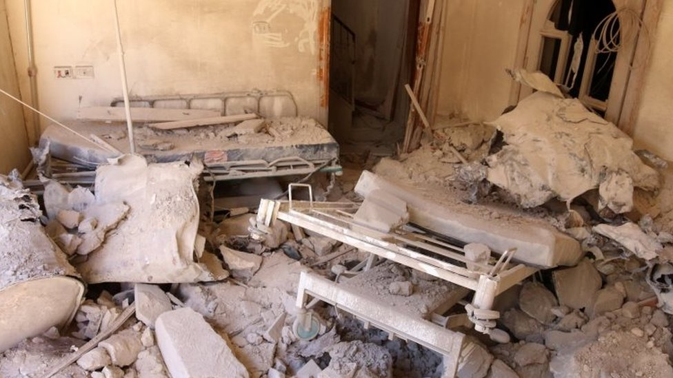A damaged field hospital room is seen after airstrikes in a rebel-held area in Aleppo (01 October 2016)