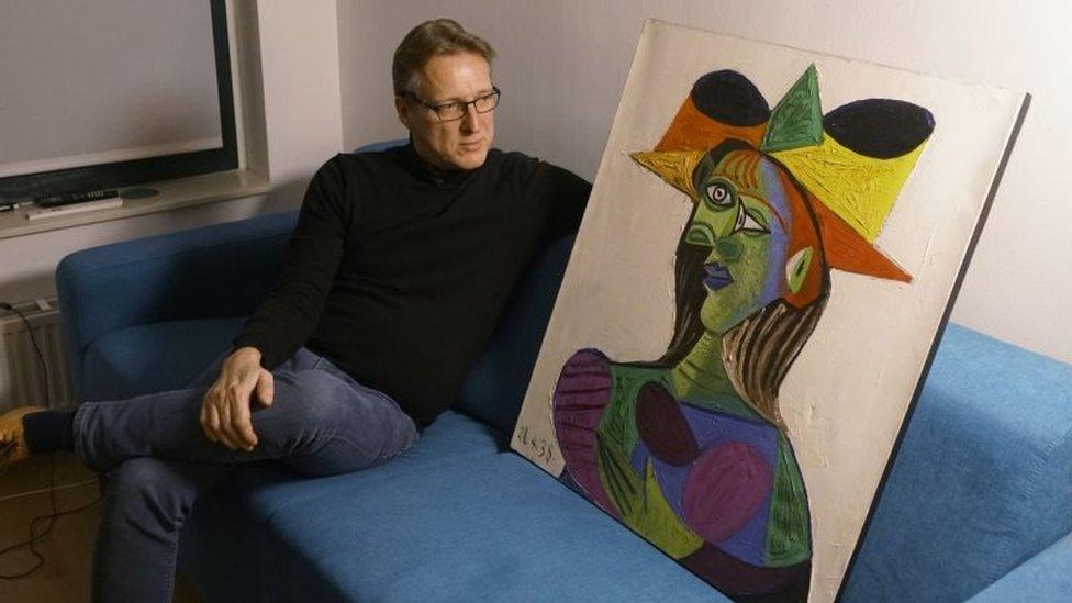 Hollandalı sanat dedektifi Arthur Brand ve Picasso'nun Amsterdam'da bulunan tablosu