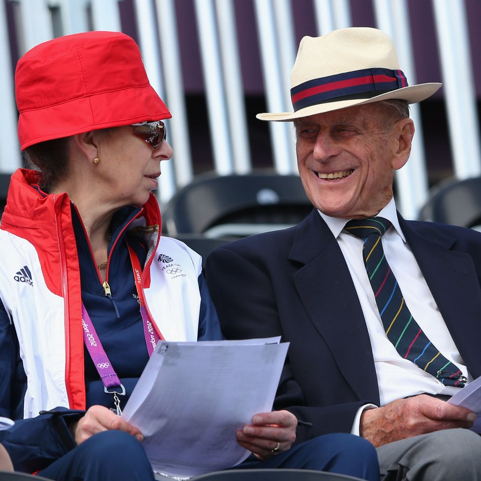 La princesa Ana con el príncipe Felipe, duque de Edimburgo.