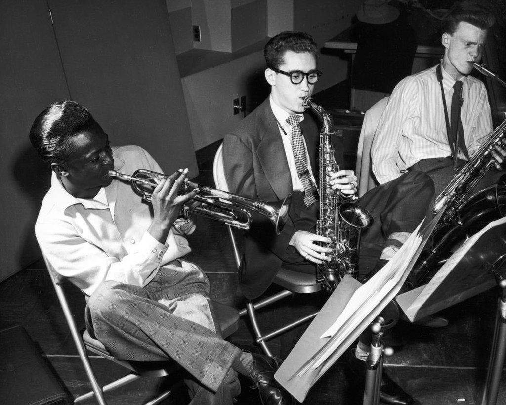 Lee Konitz in the studio with Miles Davis