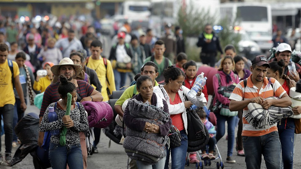 Migranti u konvoju