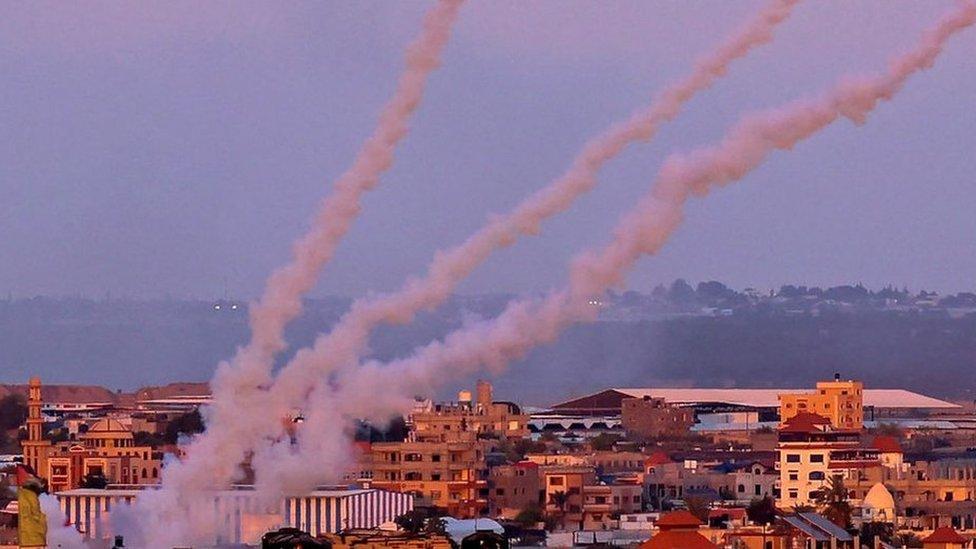 Дайджест: Байден призвал Израиль и Газу к перемирию; ВОЗ заявила о вакцинном апартеиде