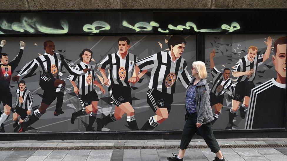 لوحة جدارية لنادي نيوكاسل يونايتد