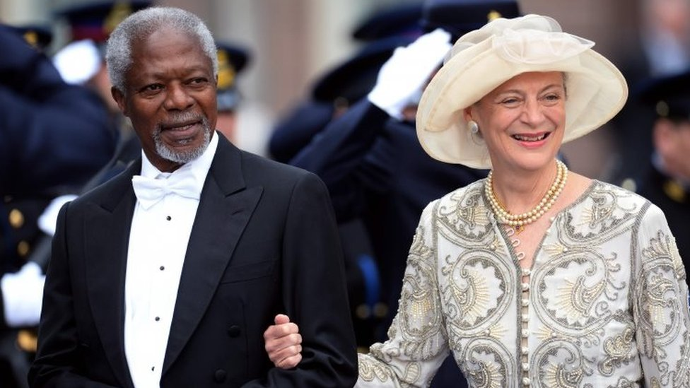 Former UN General Secretary Kofi Annan and his wife Nane leave the Nieuwe Kerk (New Church) in Amsterdam on 30 April 2013