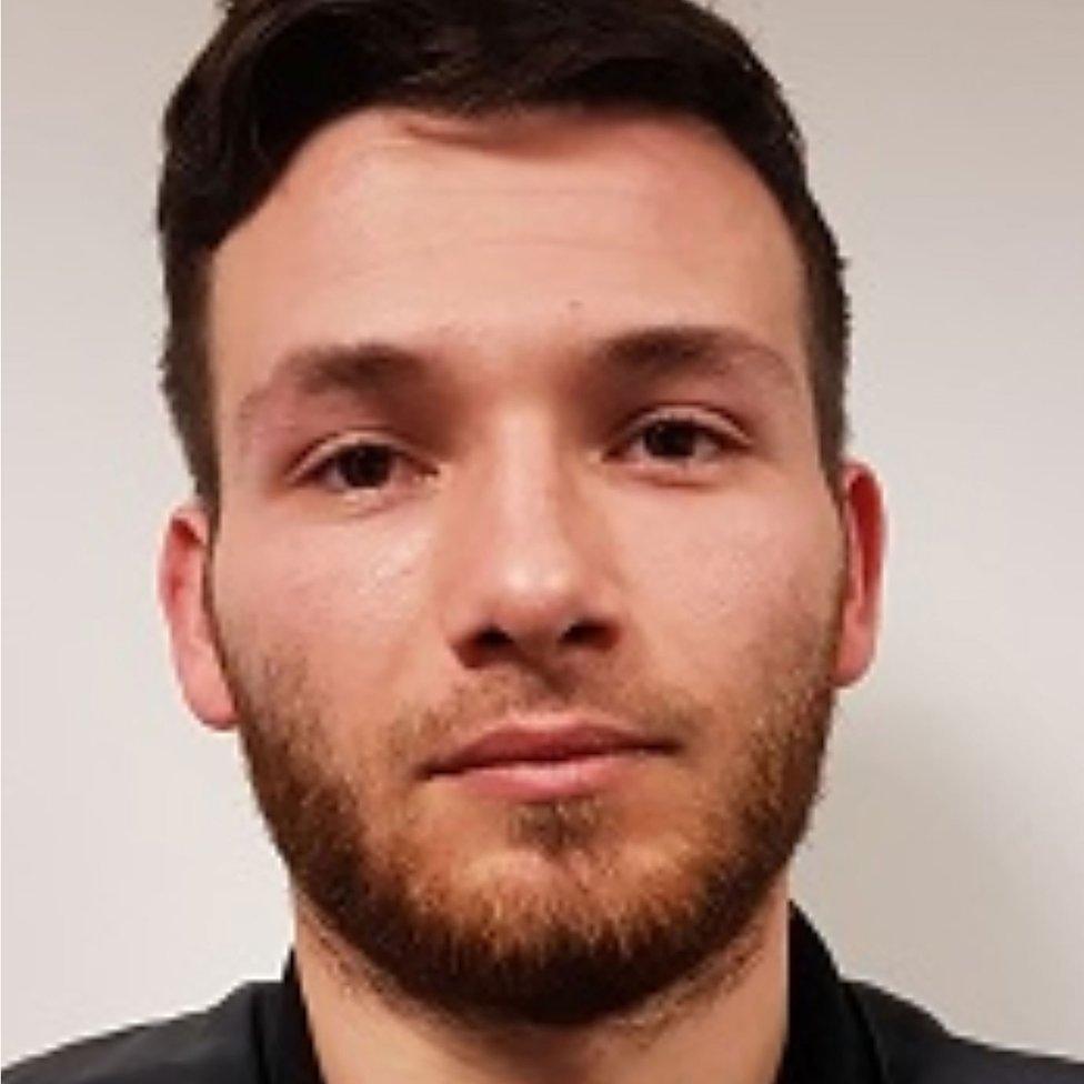 Policijska afotografija Edrijena Derbeza