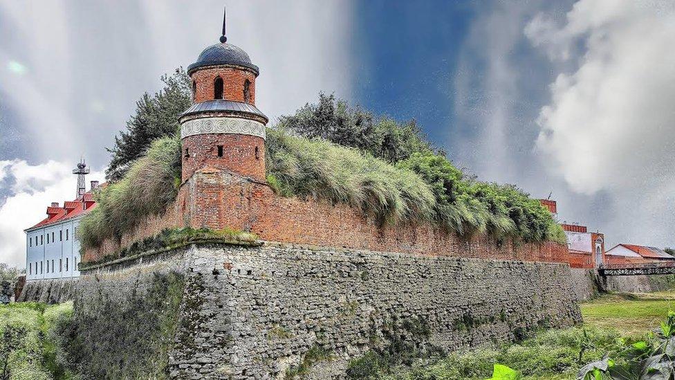 5 найкращих українських замків-бастіонів