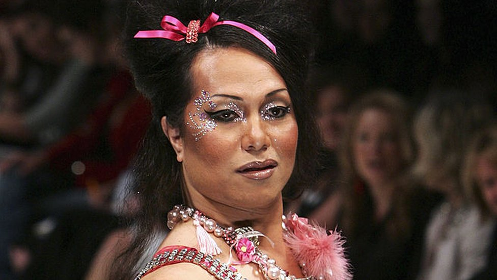 A Fafafine model parades down the catwalk during the Annah Stretton show during Air New Zealand Fashion Week 2005
