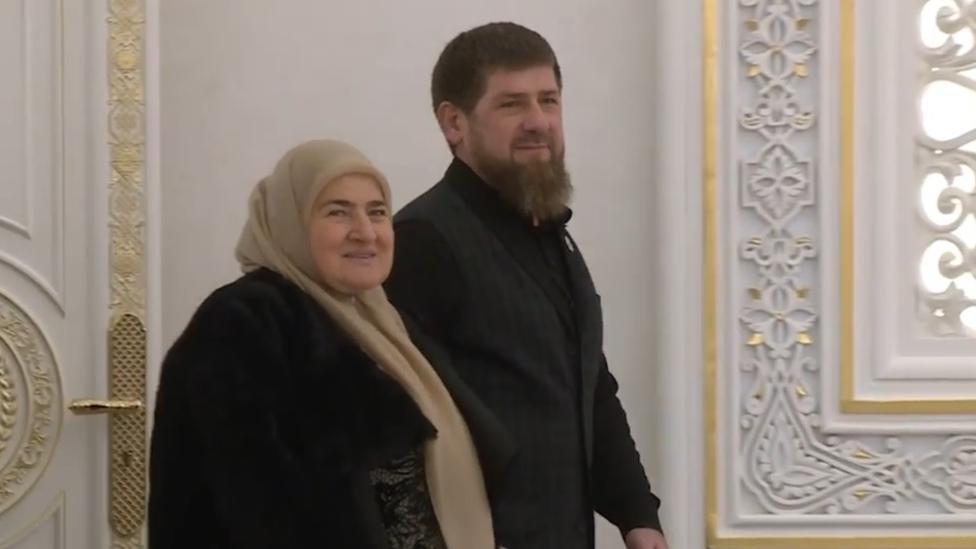 Kadirov sa majkom