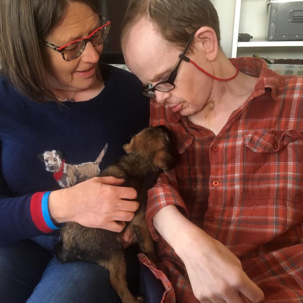 Džeki, Mark i novo štene