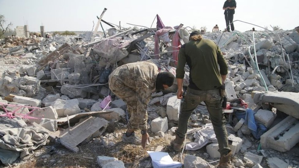 Rubble from building destroyed by US after Baghdadi was killed near Barisha village in Idlib (27/10/19)