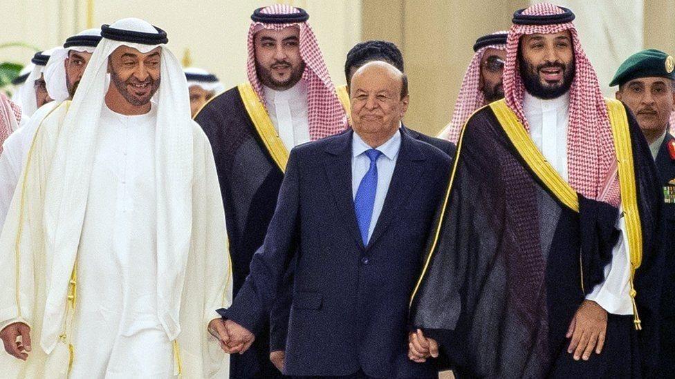 وليّا العهد في أبو ظبي والسعودية حضرا حفل توقيع الاتفاق بين المجلس الانتقالي الجنوبي والحكومة في اليمن