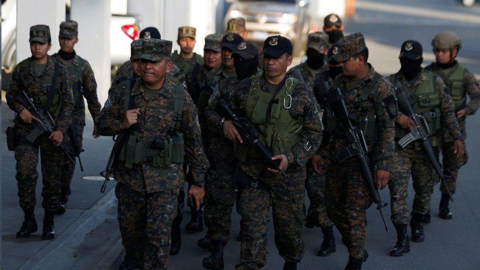 Soldados El Salvador