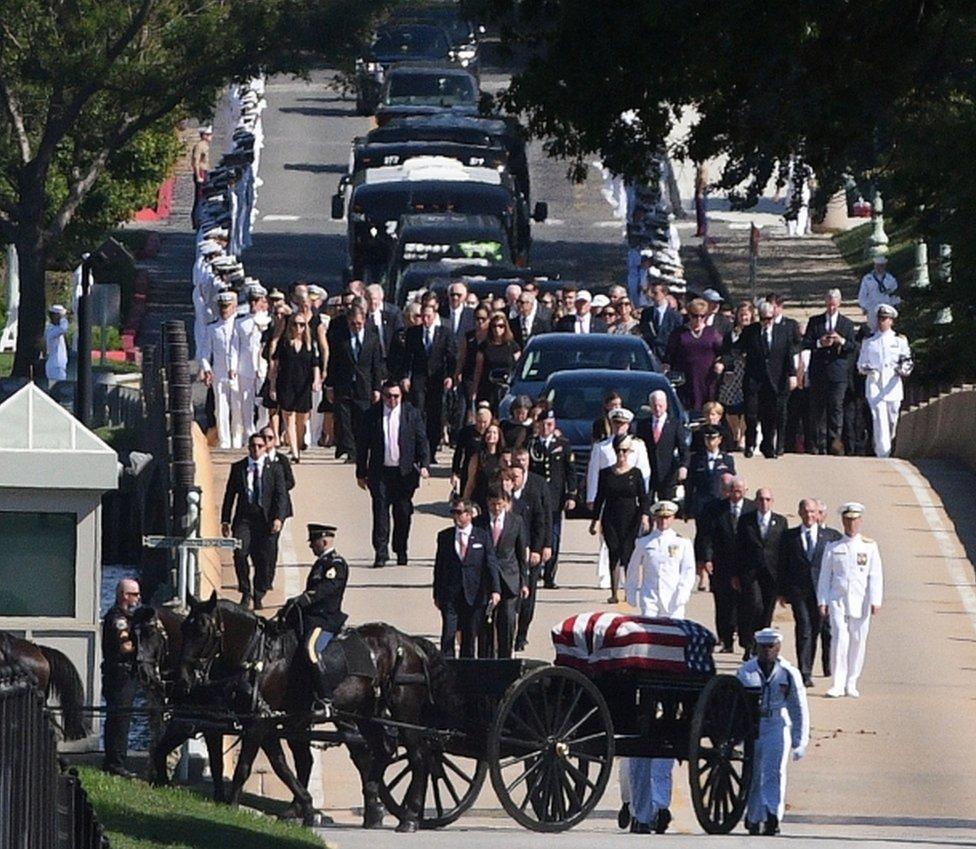 Povorka na sahrani Džona Mekejna