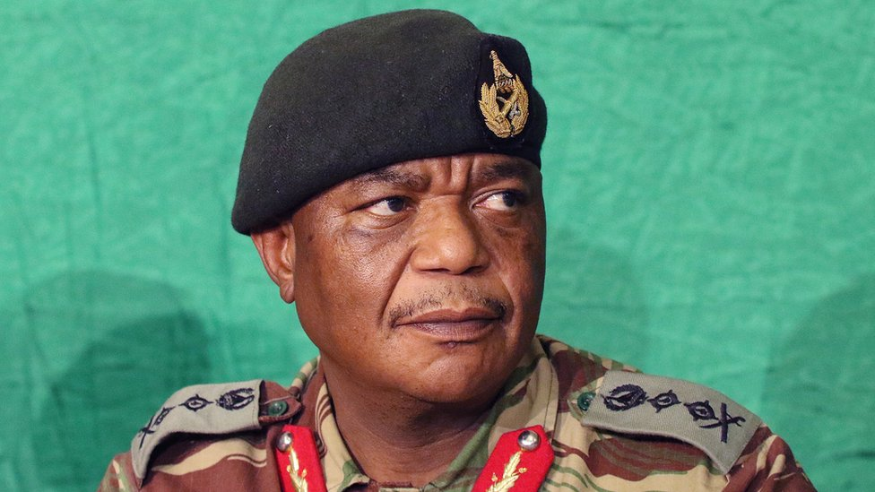 Zimbabwe National Army commander Constantino Chiwenga addressing a press conference at the army headquarters in Harare, Zimbabwe, 20 November 2017. T