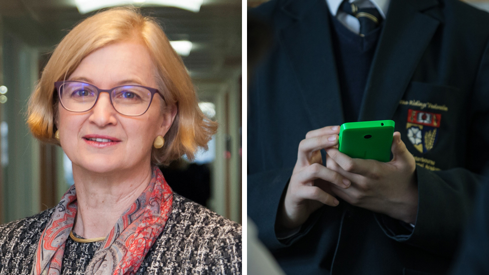 Ofsted chief inspector backs ban on phones in schools