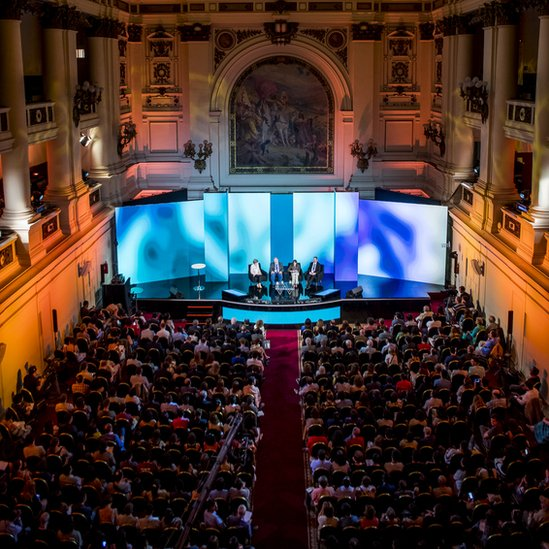 """Nobel Prize Dialogue"" en Santiago de Chile."
