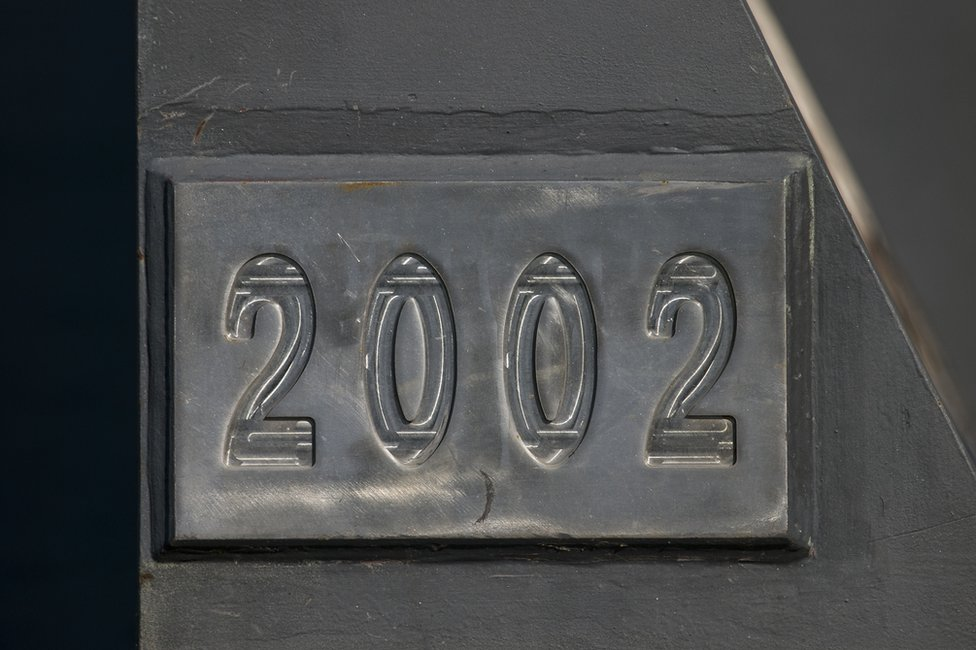 Número 2002