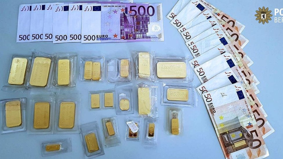 gold and cash found