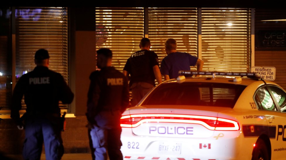 Mississauga explosion: Suspects 'detonate bomb' in restaurant