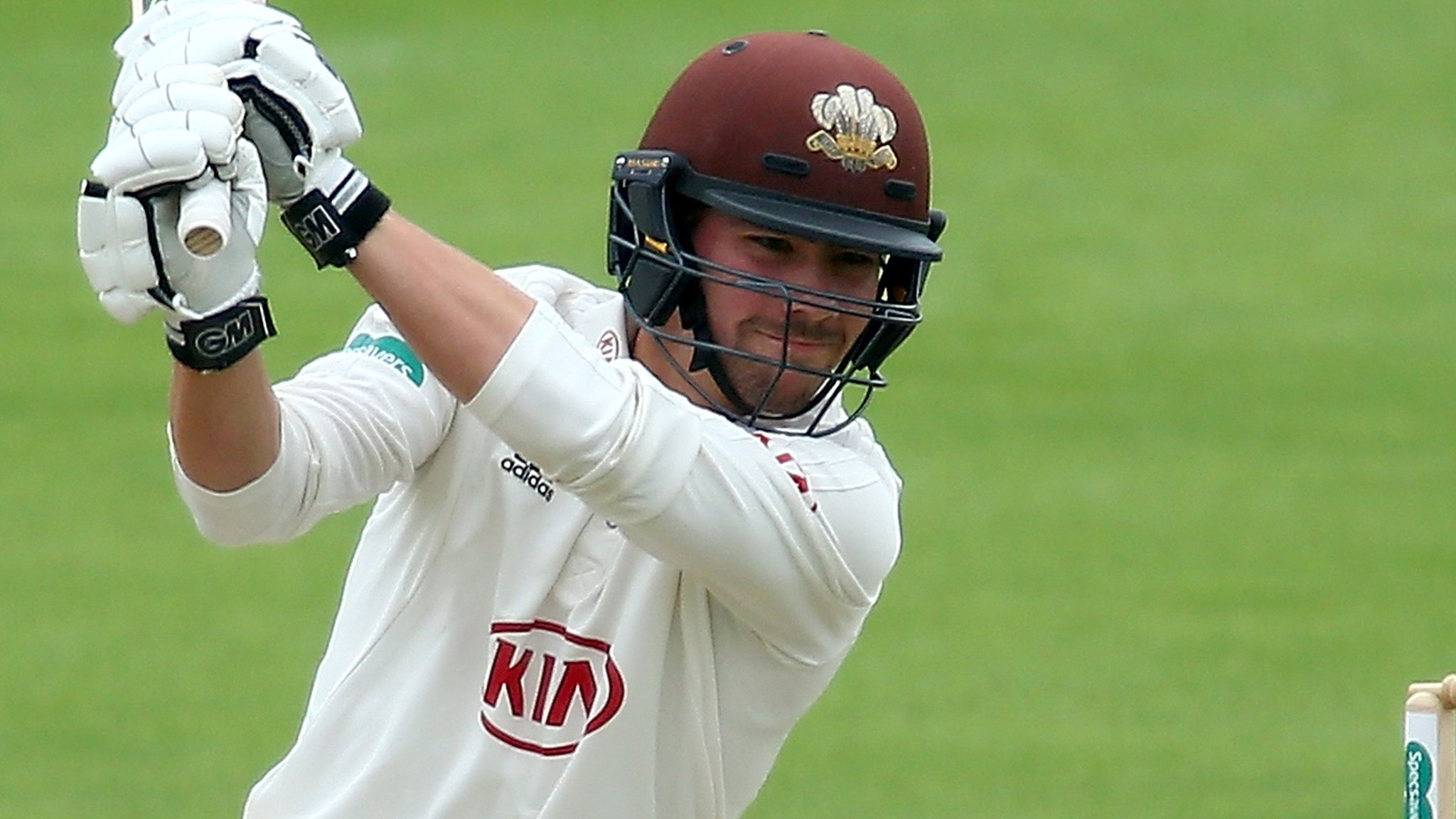 Burns gives Surrey handy lead over Lancashire