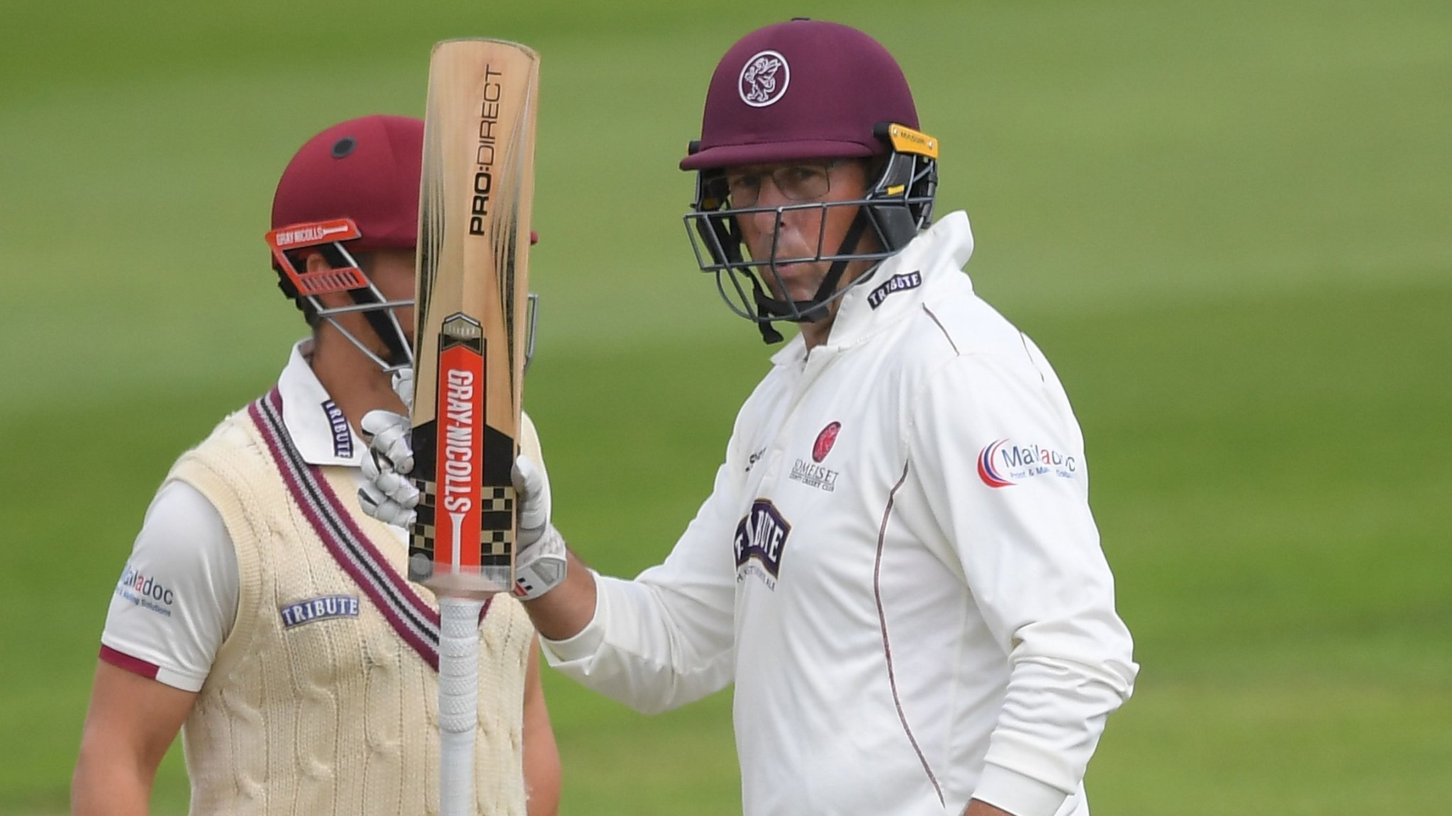 County Championship: Marcus Trescothick hits 96 as Somerset shade battling Essex