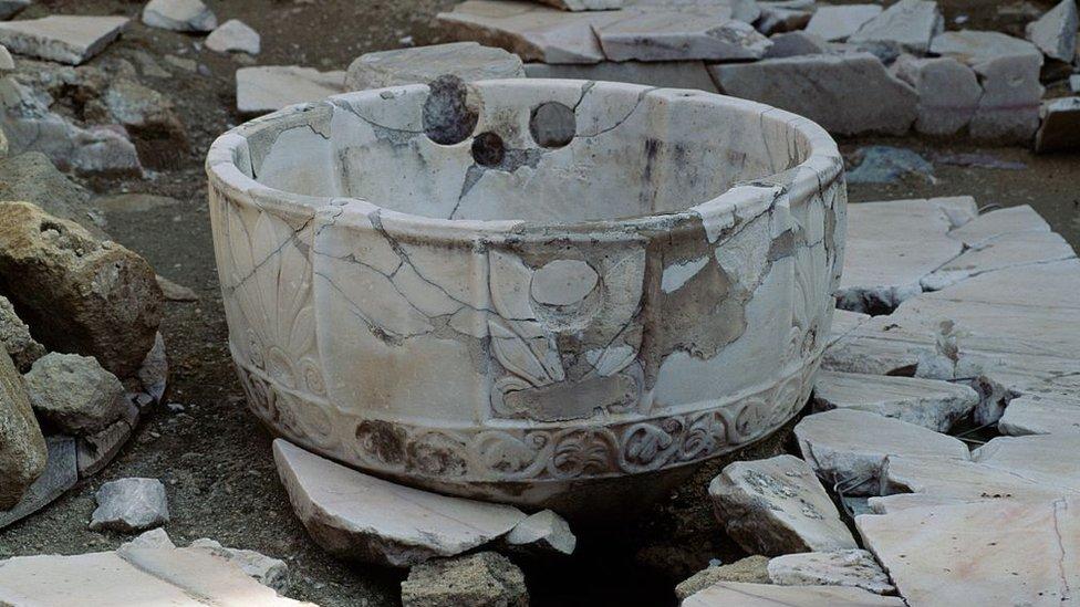 Vasija de piedra de la medina.